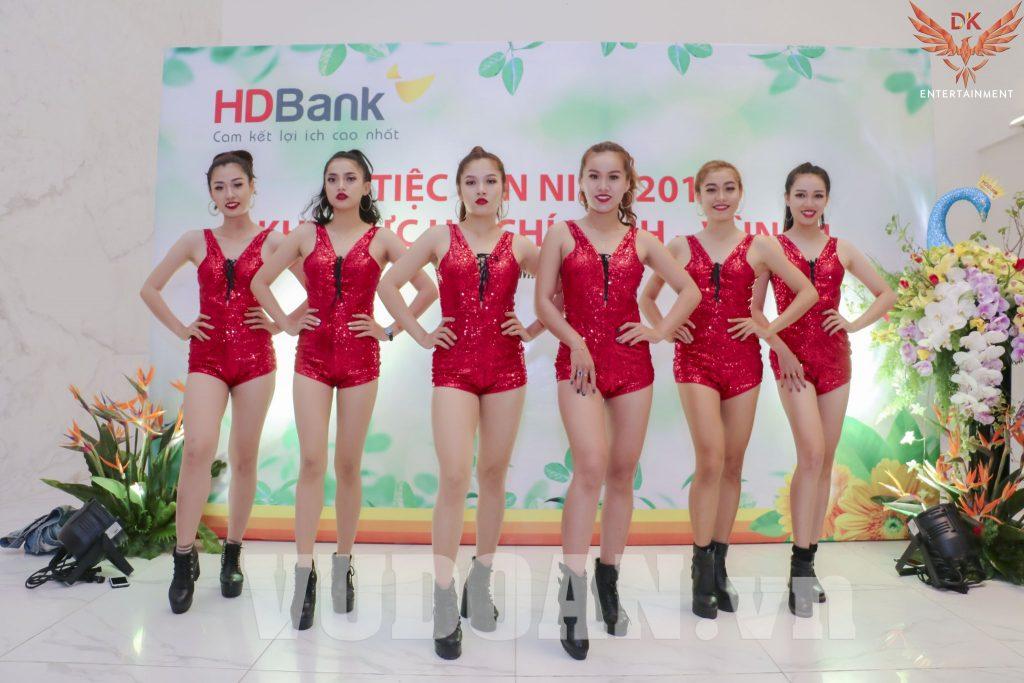 Biên tập nhóm nhảy vũ đoàn DK